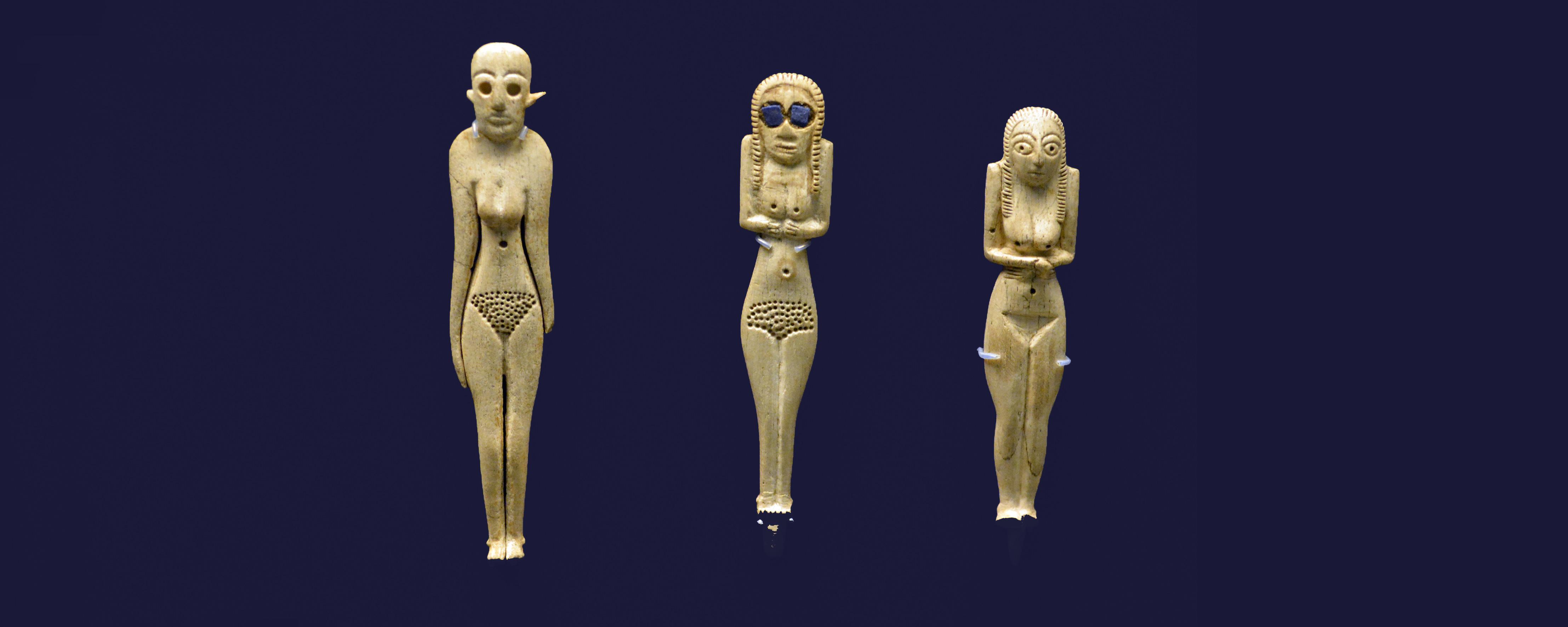 BM Ivory statuette DSC_2890 wide
