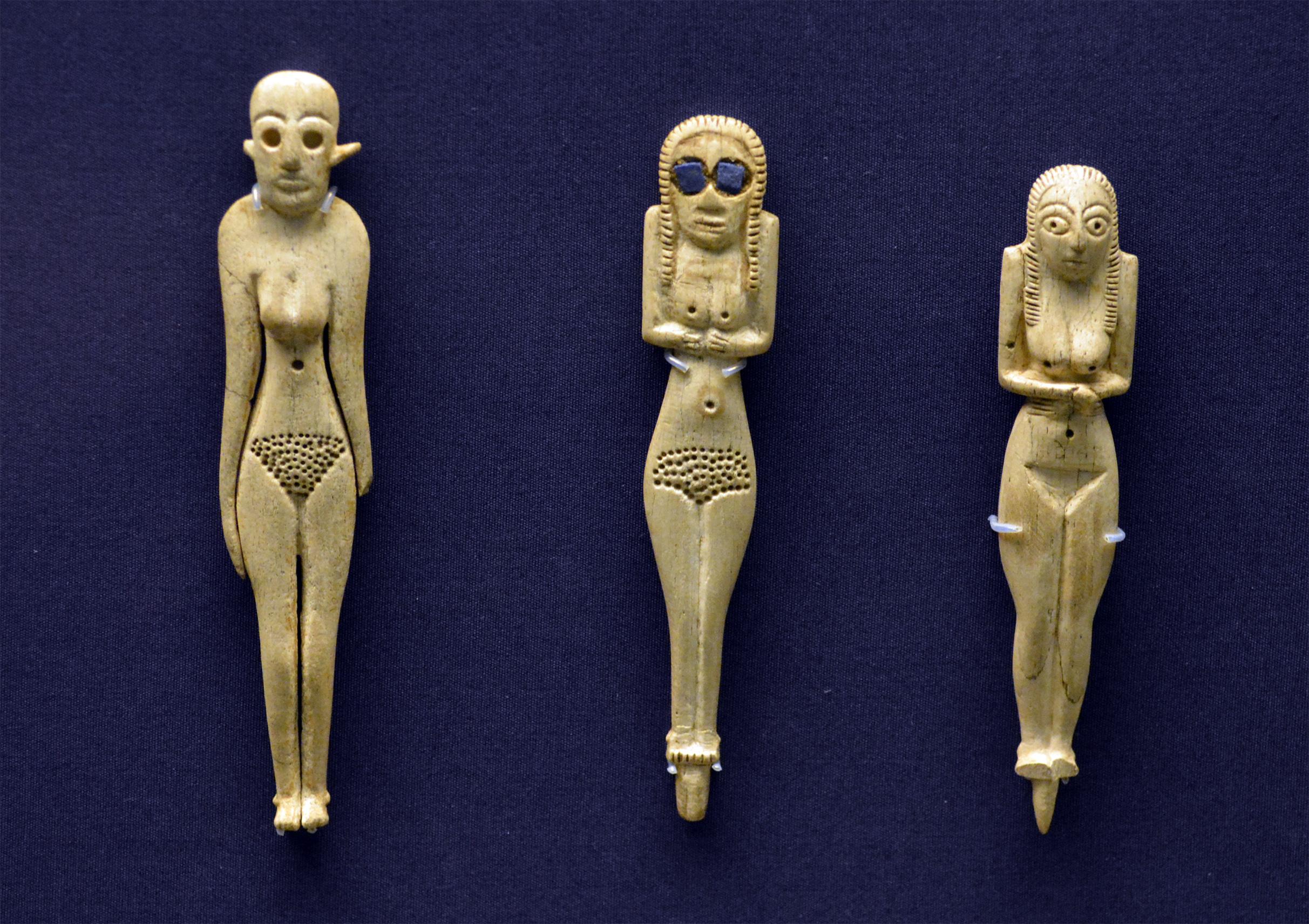 BM Ivory statuette DSC_2890